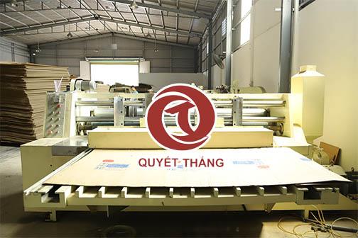 Xưởng sản xuất thùng carton của công ty Quyết Thắng